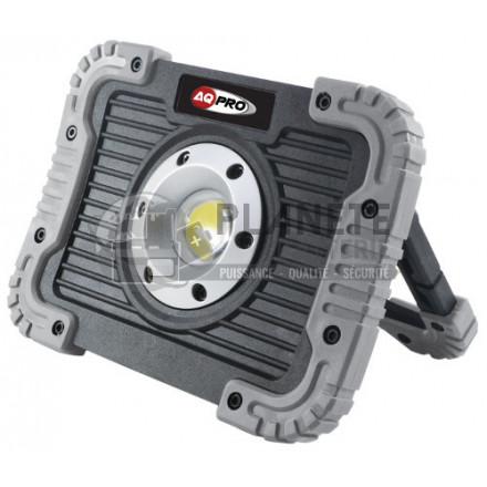 Projecteur de chantier compact AQ PRO à piles 780 Lumens